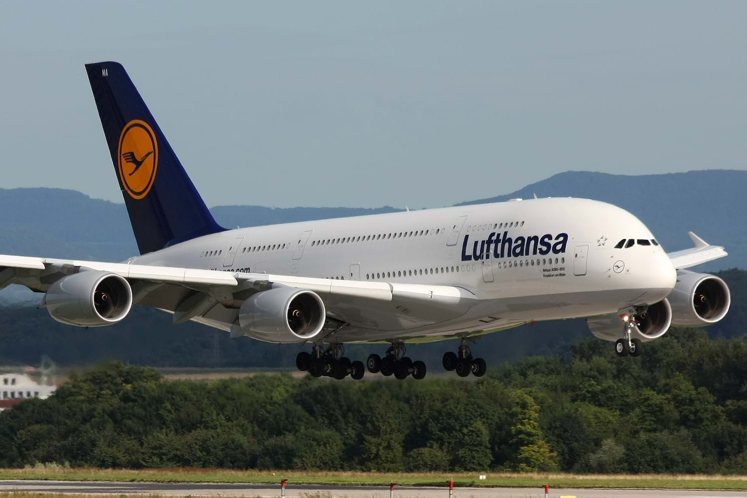 Fly with Lufthansa Airlines